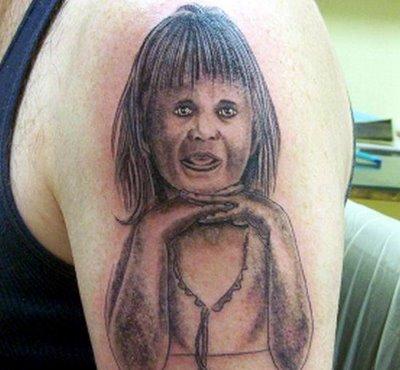 tatuaje niña terror